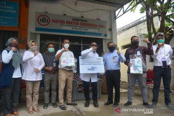 FK BUMN serahkan bantuan APD untuk dokter di Aceh