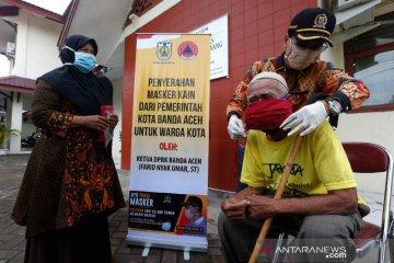 Bantuan masker untuk Panti Jompo