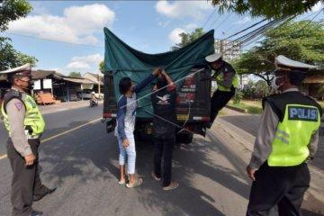 Razia truk barang terkait larangan mudik