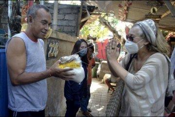 Ekspatriat turut donasi paket sembako