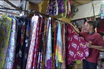Penjualan mukena khas Bali menurun