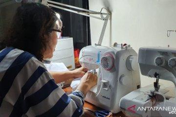 65 industri kecil dan menengah Jakbar dikerahkan produksi masker kain