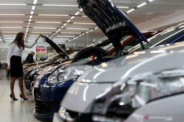 Penjualan mobil di Rusia terjun 72 persen