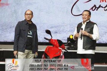 Motor listrik bertanda tangan Jokowi laku Rp2.5 miliar