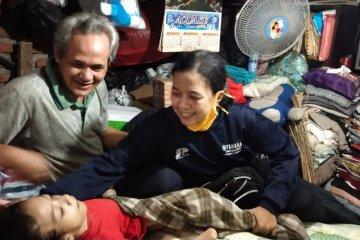 Kakek yang rawat cucunya selama 17 tahun di Surabaya dapat bansos