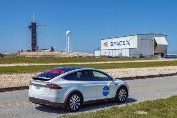 Tesla Model X akan angkut astronaut