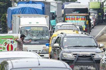 Penyekatan arus balik pemudik di perbatasan Karawang - Bekasi