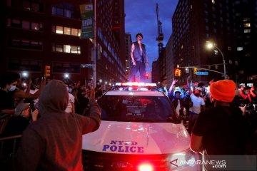 Ricuh di Minneapolis, dua wartawan Reuters tertembak peluru karet polisi