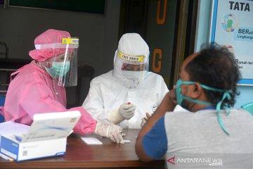 Rapid test warga dari zona merah di Aceh