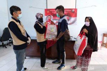 Balai Wyata Guna Bandung bantu paket sembako disabilitas netra di Jateng