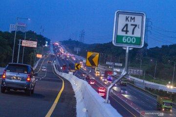 Pengerasan ruas Tol Jakarta-Cikampek KM 36 mulai Senin