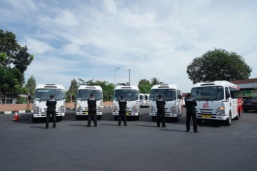 "17 bus Isuzu jadi ""feeder"" di Kota Semarang"