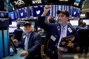Wall Street berakhir lebih tinggi karena reli saham teknologi