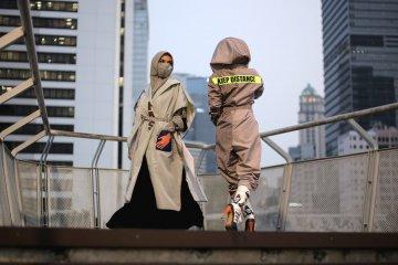 Fesyen di era normal baru, masker hingga APD modis