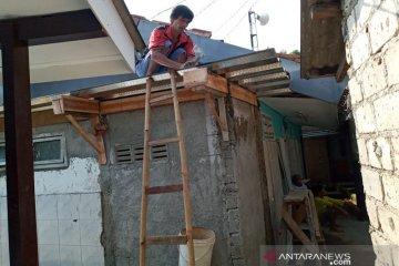 Perbaikan mushalla di Cilendek Bogor Barat
