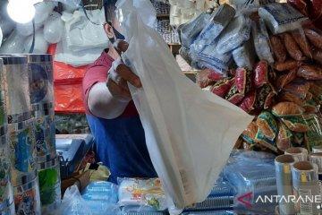 Larangan sampah plastik hendaknya juga berlaku untuk belanja daring