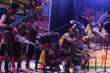 Lomba musik etnik pedalaman Dayak