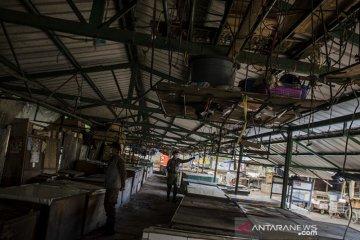 Pasar stasiun Cimindi ditutup