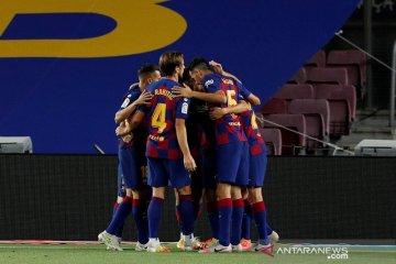 Barcelona kalahkan Espanyol yang dorong rival sekotanya  terdegradasi