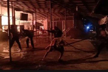 28 kios di Pasar Kebun Raya Cibodas hangus terbakar