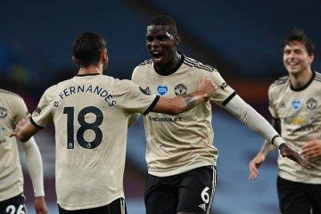 Manchester United menempel ketat empat besar klasemen Liga Inggris