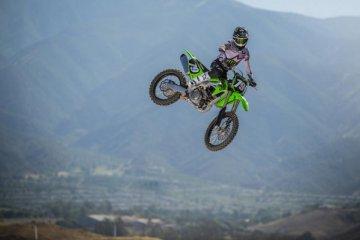 Cara Kawasaki tingkatkan performa KX250