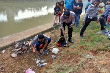 Cerita Samsiyah selamatkan anaknya saat mobil terseret arus Kalimalang