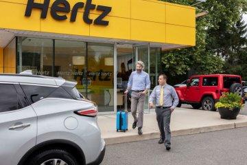 Hertz jual setengah juta mobil rental untuk bayar hutang