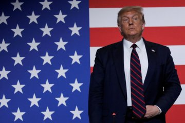 Alasan Facebook dan Twitter tarik unggahan Presiden Trump