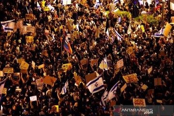 Ribuan warga Israel protes Netanyahu atas tuduhan korupsi
