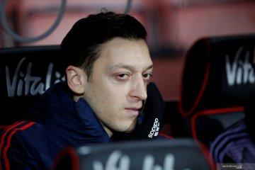 Tidak hadiri perayaan juara Piala FA, Mesut Ozil tidak lagi peduli Arsenal