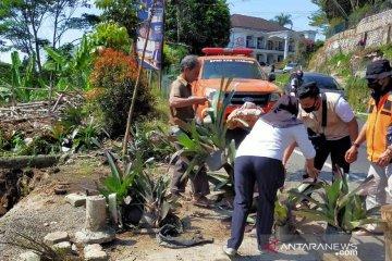 BPBD imbau pengguna jalan waspada saat melintas Jalur Cipanas-Puncak