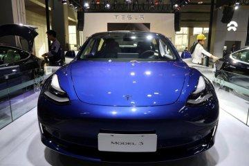 Permintaan kendaraan listrik Tesla tetap naik berkat penjualan online