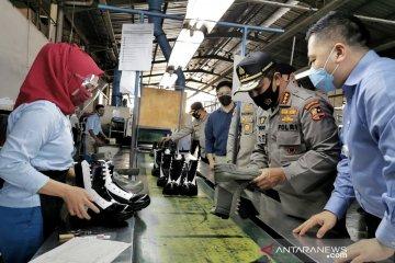 Kabaharkam dorong produksi perlengkapan Polri dibuat di dalam negeri