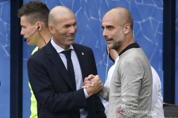 Pep Guardiola protes Manchester City dapat jadwal padat di tengah pandemi COVID-19
