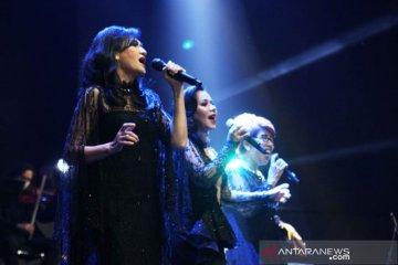 Diva 80-an bawakan lagu Rinto Harahap nuansa kekinian di konser amal