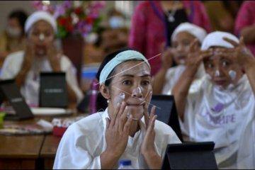 Pelatihan tata rias di Badung