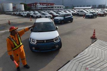 Penjualan mobil awal semester kedua naik 100,3 persen