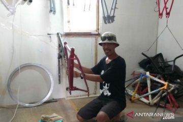 Bisnis jasa cat ulang sepeda raup untung saat pandemi