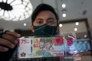 Foto - Penukaran uang baru Rp75 ribu di BI Gorontalo