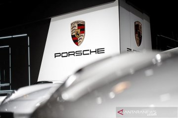 Porsche Panamera Turbo S E-Hybrid segera meluncur