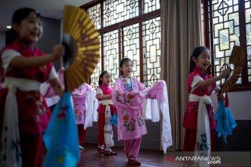 Vaksinasi massal di Beijing September, murid sekolah gratis
