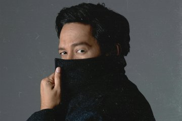 """Andre Taulany bawakan ulang lagu """"Ayah"""" karya Rinto Harahap"""
