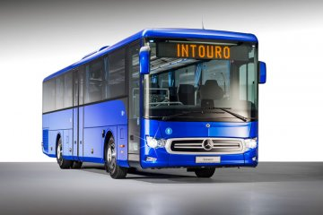 Daimler sematkan pengereman otomatis ke bus Mercedes-Benz