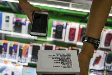 Blokir IMEI, konsumen disarankan beli ponsel resmi