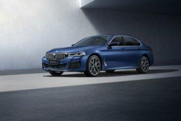 Hadir di China, BMW Seri 5 tampil lebih panjang dan mewah