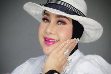 Elvy Sukaesih positif corona, keluarga ungkap kondisi terkini