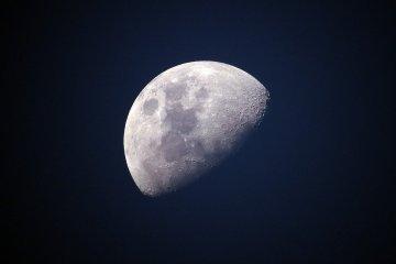 """Dampak bagi manusia bila bulan tak """"setia"""" kepada bumi"""