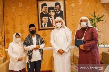 Menko Polhukam Mahfud MD terima kunjungan Syekh Ali Jaber