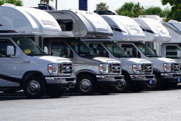 Penjualan mobil rekreasi melonjak di Amerika Serikat